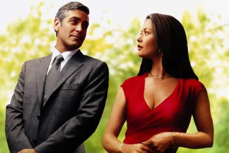 Elle s'écharpe avec George Clooney dans Intolérable cruauté (2003)