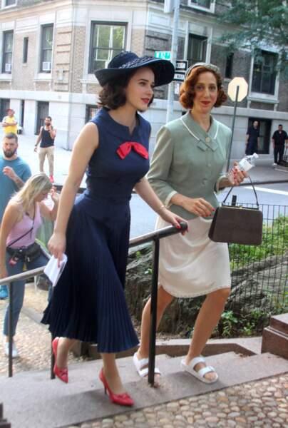 Dans les rues de New York, Rachel Brosnahan a été vue en train de tourner la saison 3 de Mrs Maisel