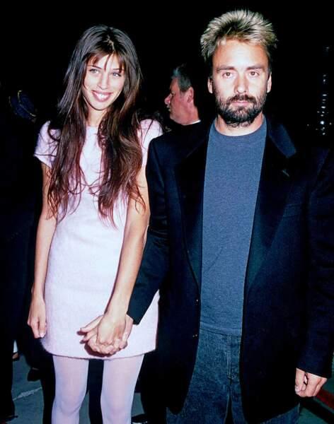 Mariée à 16 ans avec Luc Besson, ils se séparent quatre ans plus tard.