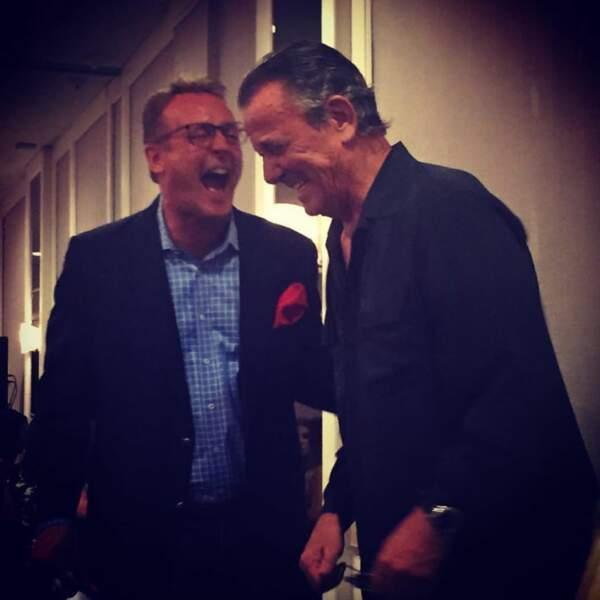 Fou rire entre Eric Braeden et Doug Davidson sur le plateau des Feux de l'amour