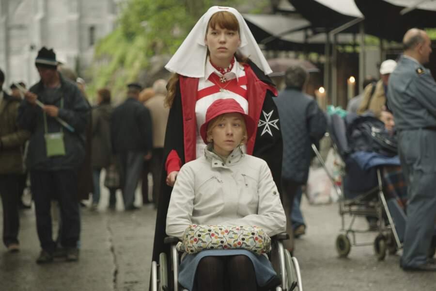 Après l'expérience américaine, elle revêt la toque dans le film Lourdes (2009)