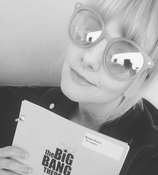 L'interprète de Bernadette est prête pour la lecture d'un épisode ! À votre avis, que lui réserve la fin du show ?