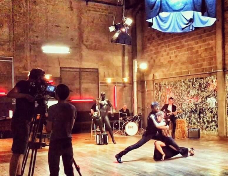 Entre deux tournages de Clem, Agustin Galiana a joué dans un clip avec Léa François