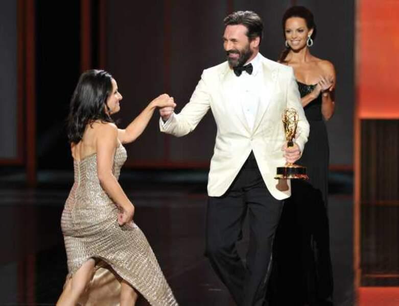 Julia Louis-Dreyfus reçoit le prix de la meilleure actrice dans une série comique pour Veep