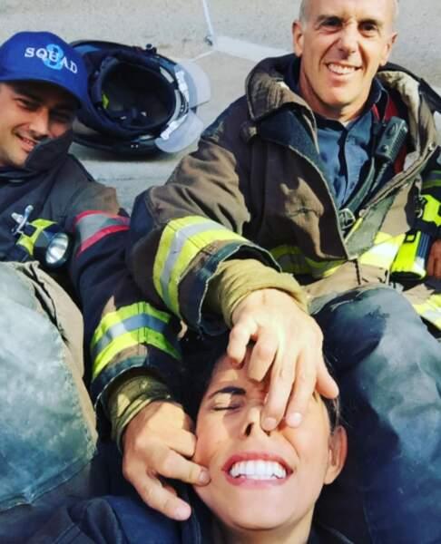 Ce ne doit pas être facile tous les jours de diriger les acteurs de Chicago Fire