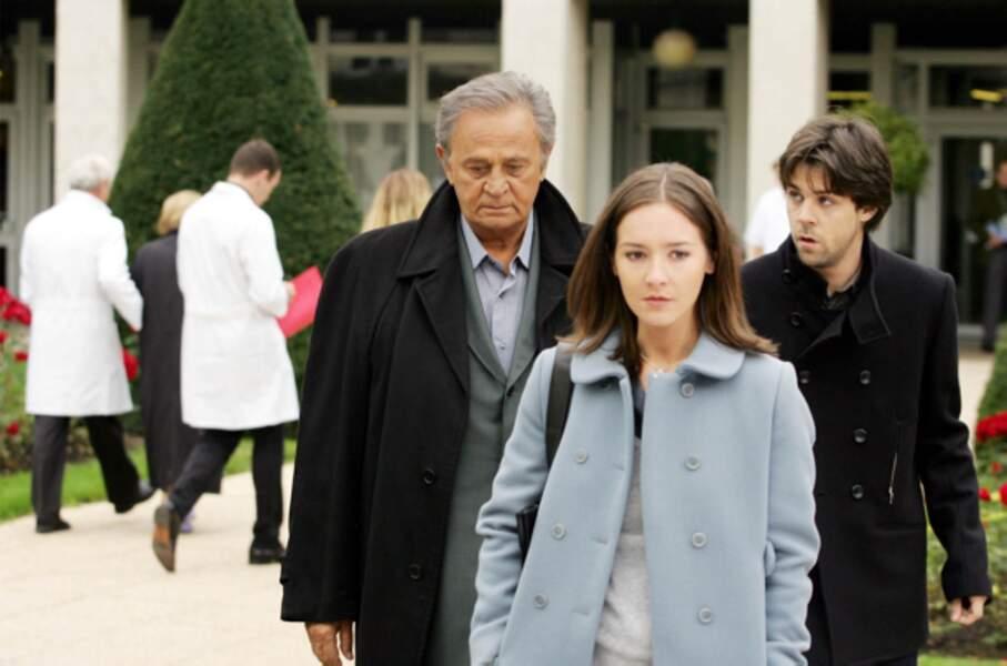 Dans Mademoiselle Navarro, il cède la vedette à sa fille à l'écran, Emmanuelle Boidron (2005)