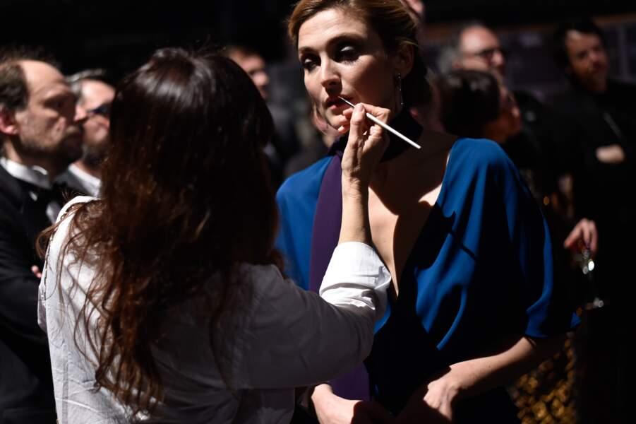 Séquence maquillage pour Julie Gayet backstage