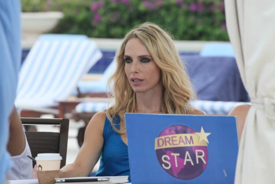 Amanda Greyson ( Tonya Kinzinger), la productrice de Dream Star