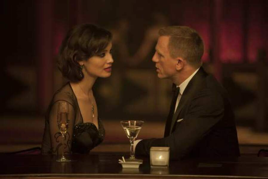 Daniel Craig et Berenice Marlohe dans Skyfall (2012)
