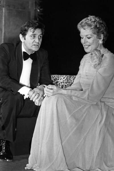 Au théâtre en 1974, dans la pièce Virgule, avec Madeleine Robinson