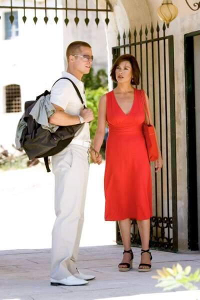 Elle forme un couple de charme avec Brad Pitt dans Ocean's Twelve (2004)