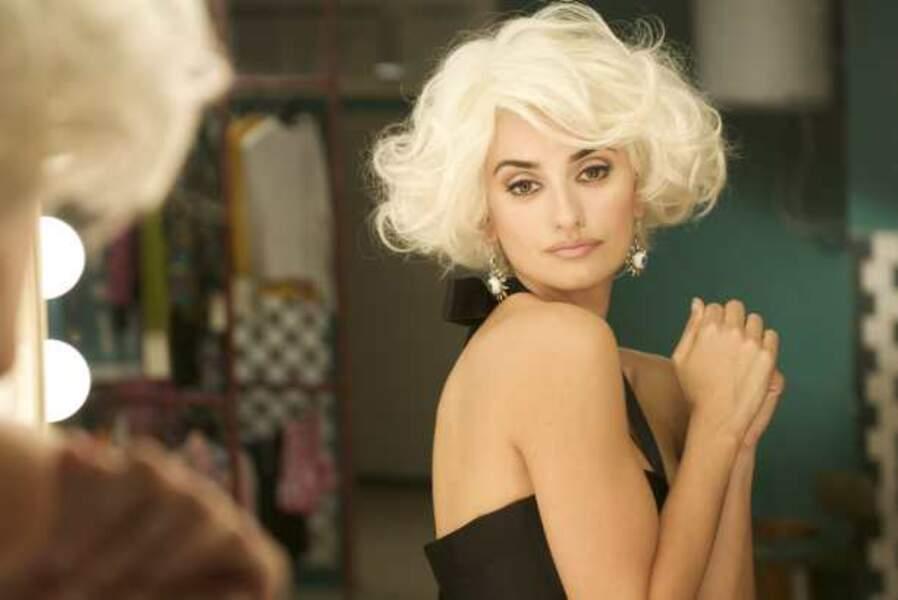Dans ce film, elle passe au blond et incarne Magdalena Rivero, dite « Lena »