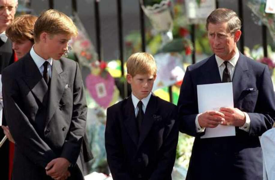 1997 : William et Harry pleurent leur mère