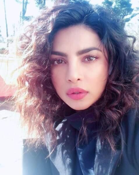 Priyanka Chopra prend la pose alors qu'elle met en boîte la troisième saison de Quantico !