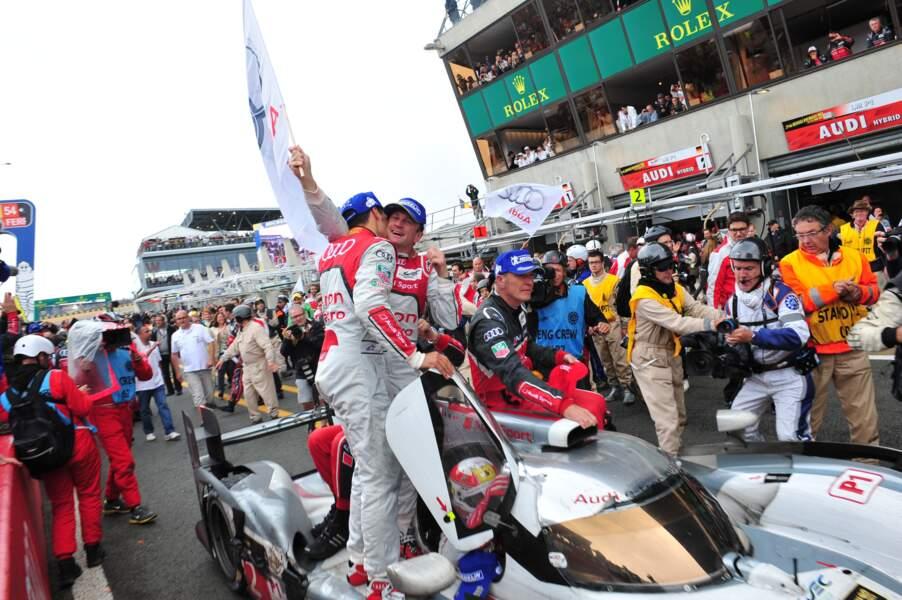 Effusion des vainqueurs de l'édition 2013 des 24 heures du Mans