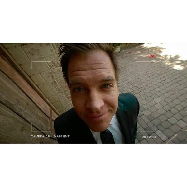 Pendant que DiNozzo (Michael Weatherly) joue avec les caméras !