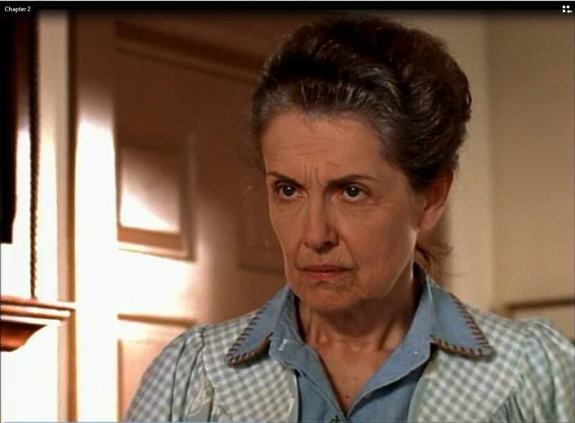 Mary-Beth Peil jouait Evelyn Ryan, la grand-mère de Jen, un peu terrifiante au début !