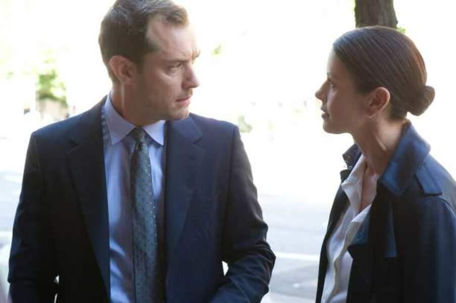 Avec le beau Jude Law dans Effets secondaires (2013)
