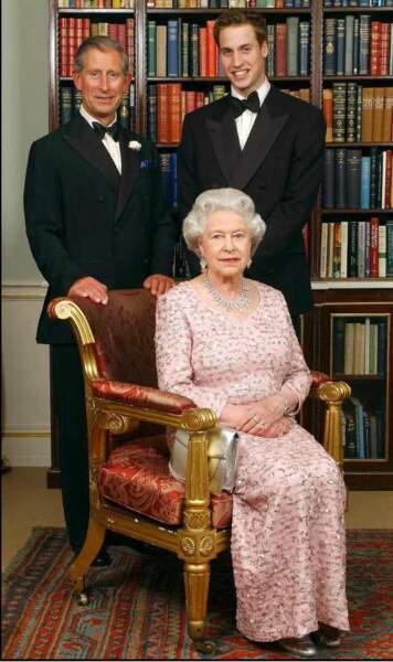 Trois générations réunies : la reine Elizabeth II, le prince Charles et le prince William