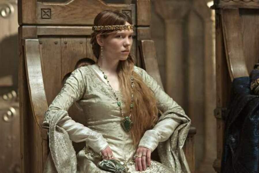 Elle tourne à nouveau à l'international dans Robin des Bois de Ridley Scott (2010)