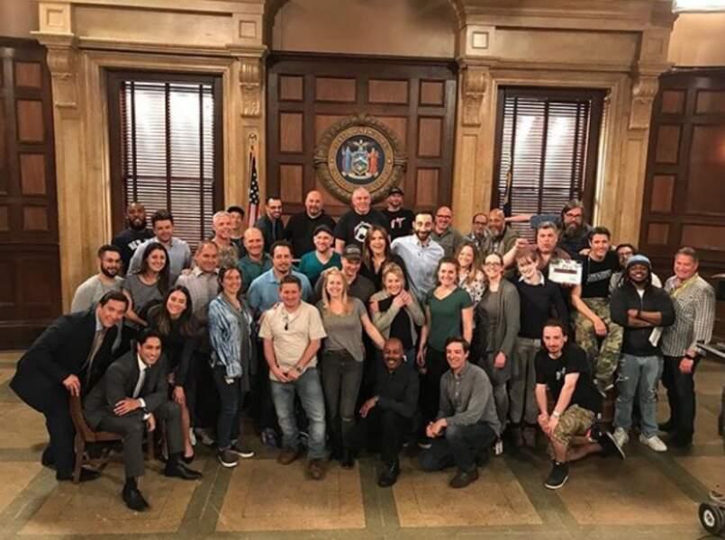 L'équipe de New York, unité spéciale fête le renouvellement de la série pour une saison 20