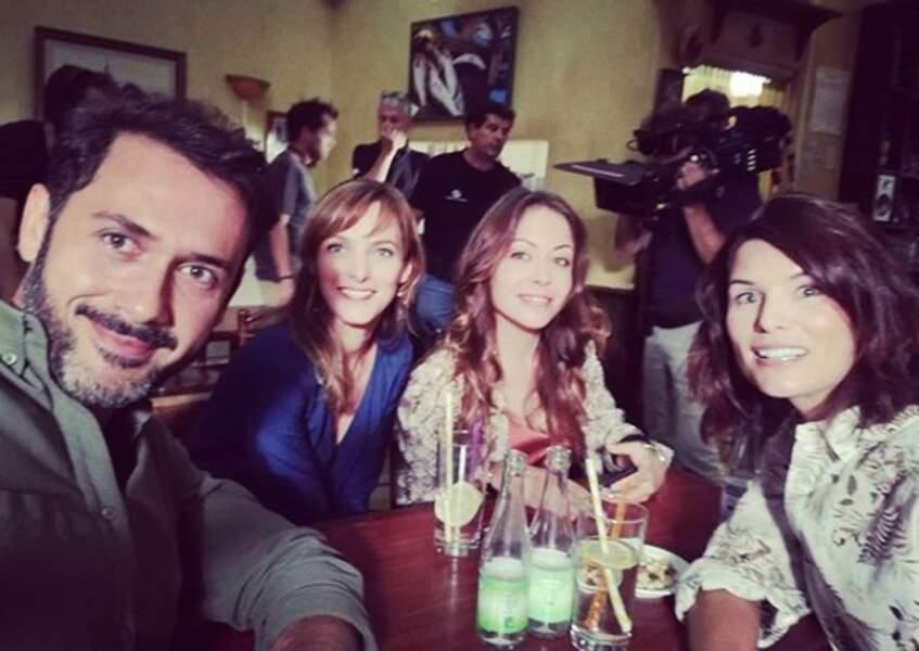Selfie entre Francesco et ses girls : Estelle, Johanna (de retour !) et Victoire