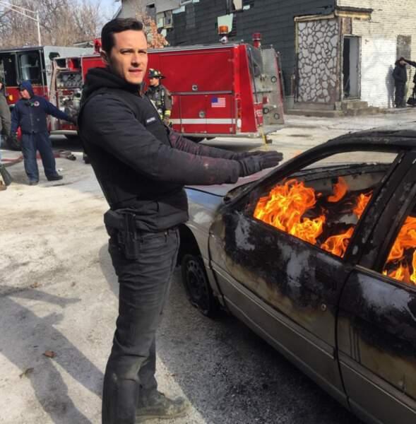 Quand la fin justifie les moyens : Halstead n'a trouvé que cette manière pour se réchauffer !