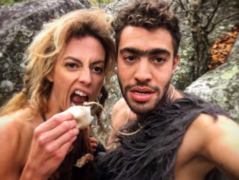 Alors queSara Mortensen et Marwan Berreni, alias Coralie et Abdel, sont retournés à l'âge de pierre