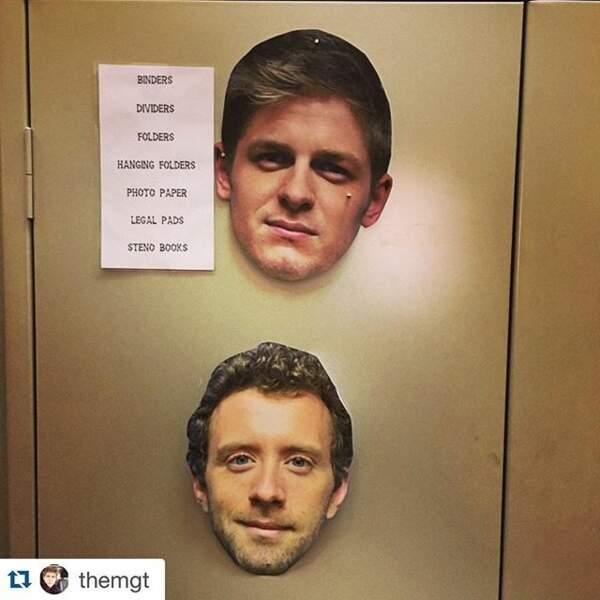 Sur le plateau de Bones, on colle le visage des acteurs sur les portes. Vous trouvez ça normal ?