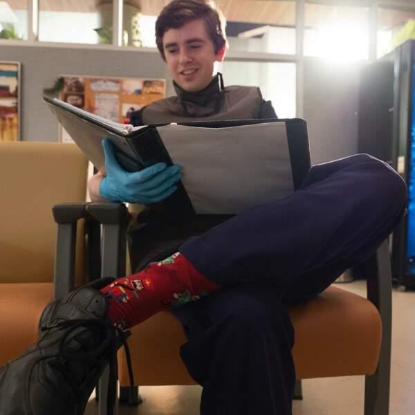 Sur le tournage de Good Doctor, Freddie Highmore est très studieux !