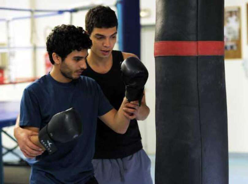Driss Ramdi dans Je ne suis pas mort (à droite sur la photo)