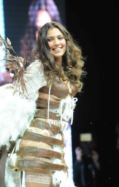 La chanteuse, et ex-candidate de la Star Ac', Judith en ange de chocolat