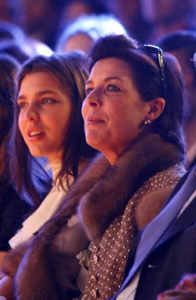 Charlotte et sa mère lors du défilé Chanel en décembre 2006