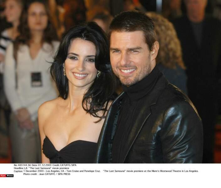 """Heureuse avec son """"chéri"""" de l'époque Tom Cruise en 2003"""