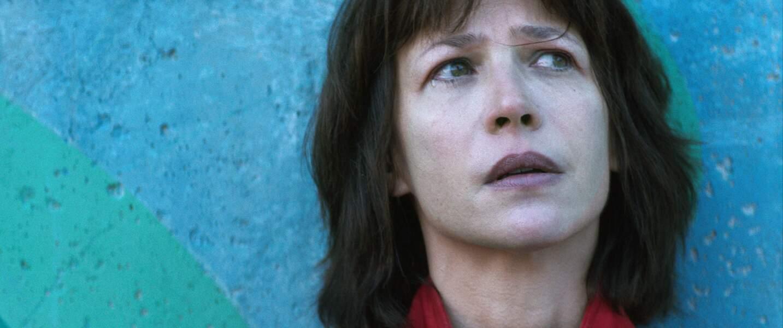 Elle y joue le rôle d'une femme incarcérée pour sauver l'homme de sa vie