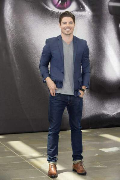 Josh Henderson (Dallas), tout cool