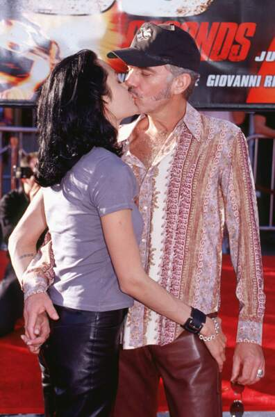 Angelina aime aussi les moustachus. La preuve avec l'acteur-musicien Billy Bob Thornton.