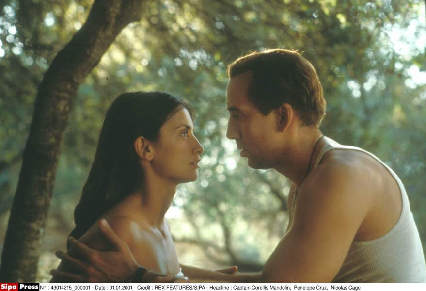 Nicolas Cage et PenéIope Cruz dans Capitaine Corelli (2001)
