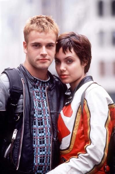 Son premier mari, l'acteur Jonny Lee Miller.
