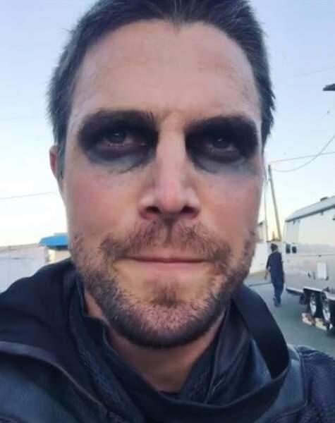 Stephen Amell a endossé le costume d'Arrow pour défendre Star City.