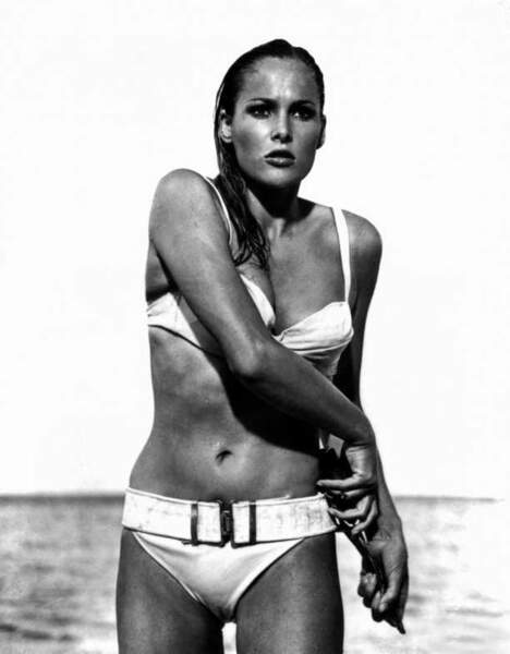 Ursula Andress dans James Bond contre Docteur No (1962)