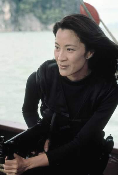 Michelle Yeoh dans Demain ne meurt jamais (1997)