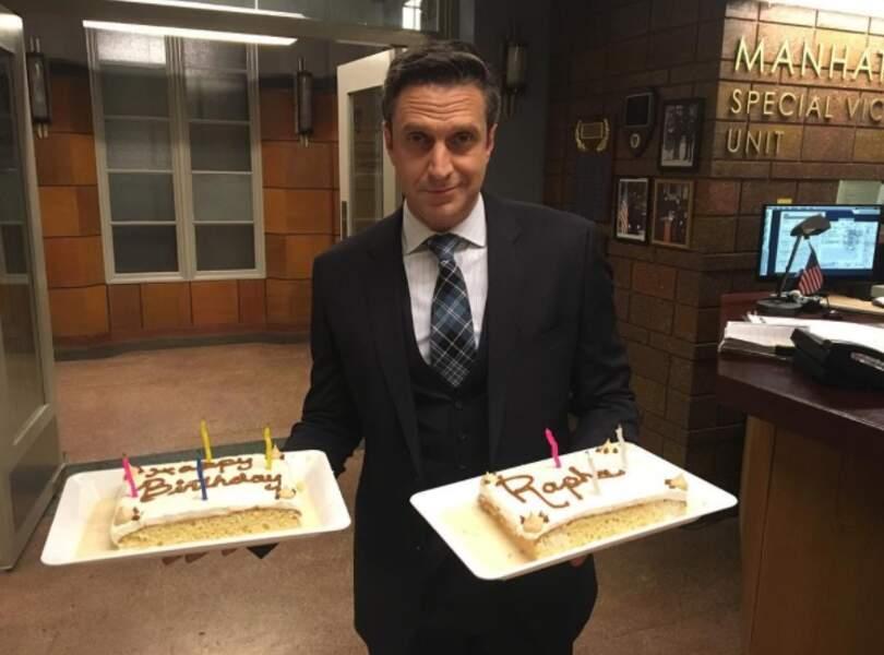 Le 24 octobre, Raul Esparza, le substitut de New York, unité spéciale, a fêté ses 47 ans