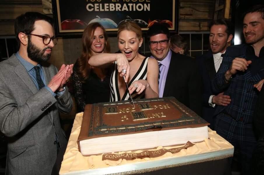 Jennifer Morrison, alias Emma Swan, fête le 100e épisode de Once Upon a Time avec une joie non dissimulée.