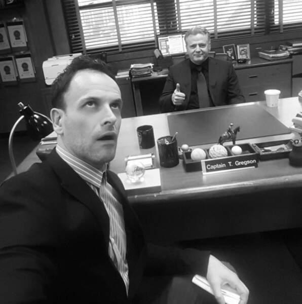 Ce n'est pas flagrant mais l'entente est bonne entre Jonny Lee Miller (Holmes) et Aidan Quinn (Toby) d'Elementary.