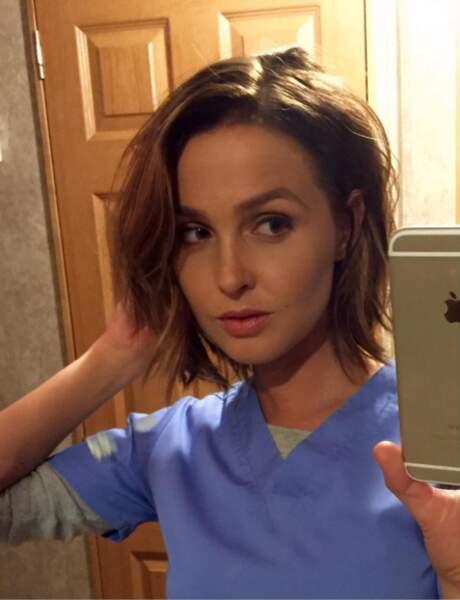 Petit selfie pour Camilla Luddington sur le tournage de la saison 12 de Grey's Anatomy.