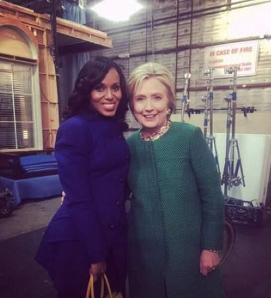 Car Hillary Clinton est en visite. Et c'est le tour des selfies commence. Avec Kerry Washington (Olivia Pope),…