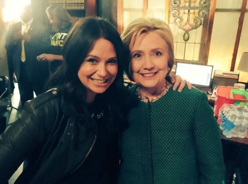 …avec Katie Lowes (Quinn Perkins),…