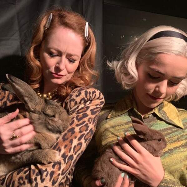 Des p'tits lapins sur le tournage de la saison 3 des Nouvelles Aventures de Sabrina pour Netflix !