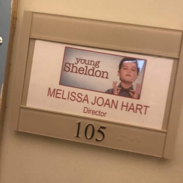 Young Sheldon accueille une nouvelle réalisatrice… Il s'agit de Melissa Joan Hart, la star de Sabrina, l'apprentie sorcière